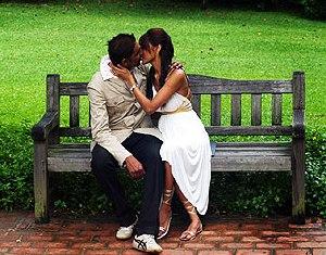 Поздравление со Всемирным днем поцелуев