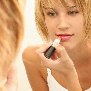как можно сохранить губы красивыми