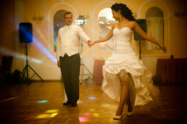 wed_dance_in_Salavat