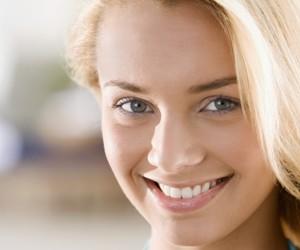 Отбеливание зубов сделает вашу улыбку белоснежной!