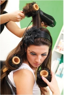 Объявлен набор на парикмахерские курсы на вечернее время!